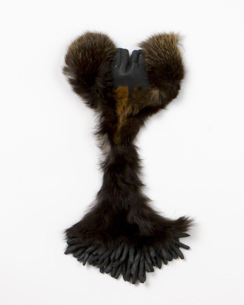 atribu | 15x30cm | grès noir | grès noir émaillé | 2016